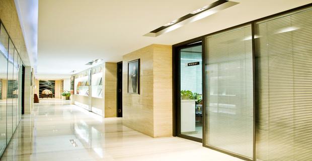 山东恒远装饰设计工程有限公司工作环境办公室走廊区