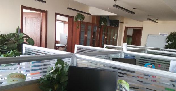 济南梁兴建筑安装有限公司工作环境办公室