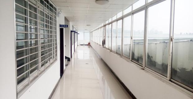 山东国安检验检测有限公司工作环境走廊