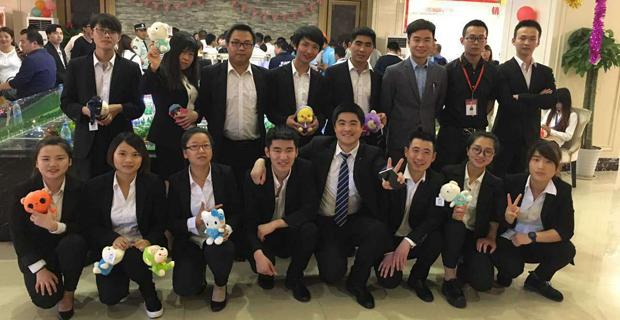 上海万旗房地产营销策划有限公司工作环境售楼处团队展示
