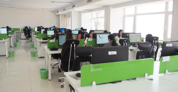 北京雅信诚医学信息科技有限公司成立于2000年,在业务快速增长的过程中,于2007年注册了北京雅信诚商务服务有限公司,以完善的服务体系为客户提供服务。因业务发展需要,于2015年8月成立西安分公司,旨在加强翻译项目处理能力。同时,为了向我们的医学客户,提供更专业、更广泛的医学服务,公司于2016年10月完成企业更名。 雅信诚是目前国内最大的医学翻译公司,拥有近200人的专职服务团队,600多名签约的兼职翻译人员。翻译能力覆盖了整个医学领域,包括药品、医疗器械、生物制品、动保、疫苗等产品的研发、注册、上市后