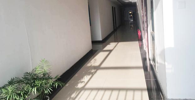 山东康佑医疗科技有限公司工作环境办公走廊