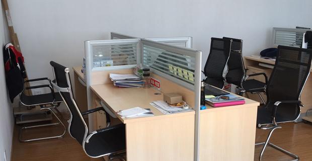 山东曼芙丽汽车科技有限公司工作环境销售办公室