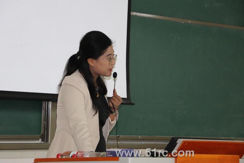 《定位现在,掌控未来》——齐鲁人才研究院副院长李召华走进齐鲁工业大学菏泽校区